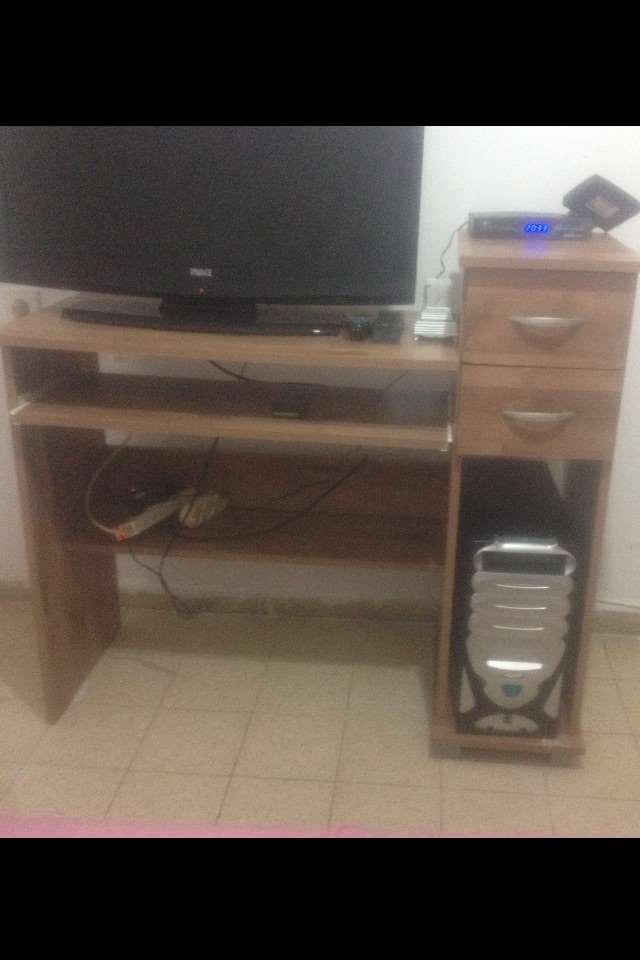 ריהוט - שולחן טלוויזיה