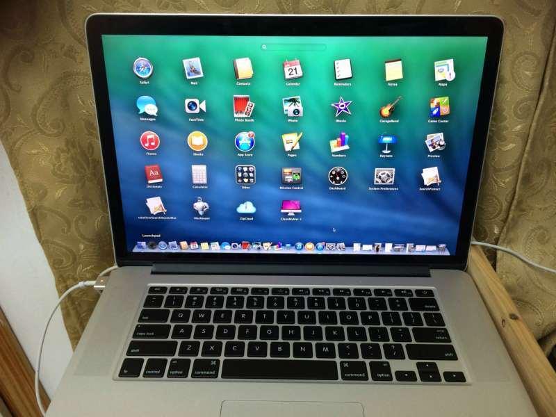 מוצרי Apple - מחשבים וציוד נלווה
