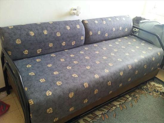 מיטה נפתחת/ספה לאירוח