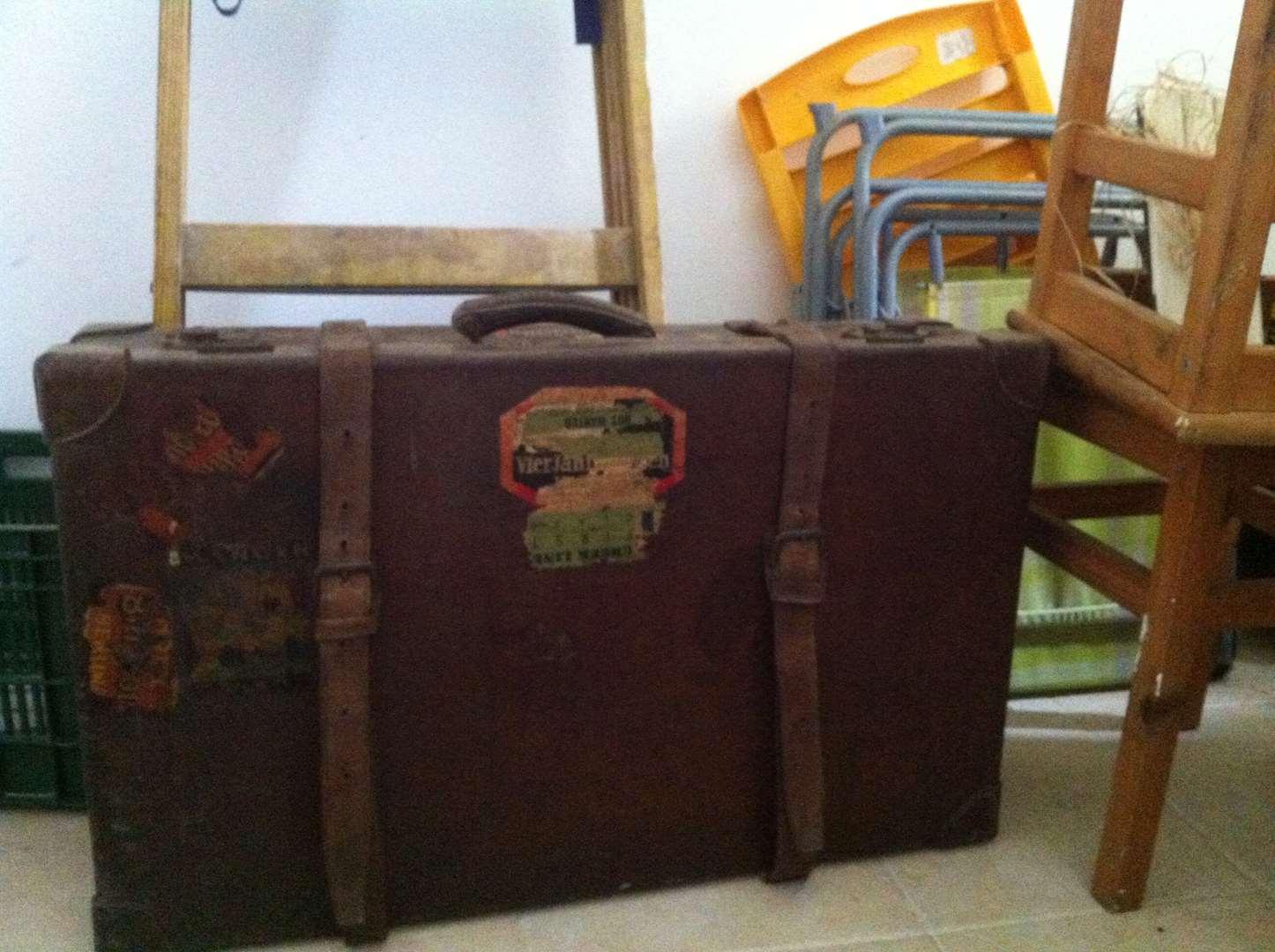 אספנות - מזוודות וקופסאות