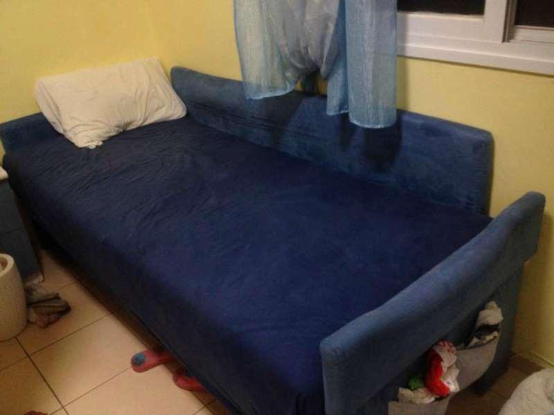 מיטת נוער כחולה של AIROFLAXE