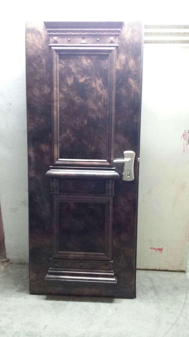 ריהוט - דלתות