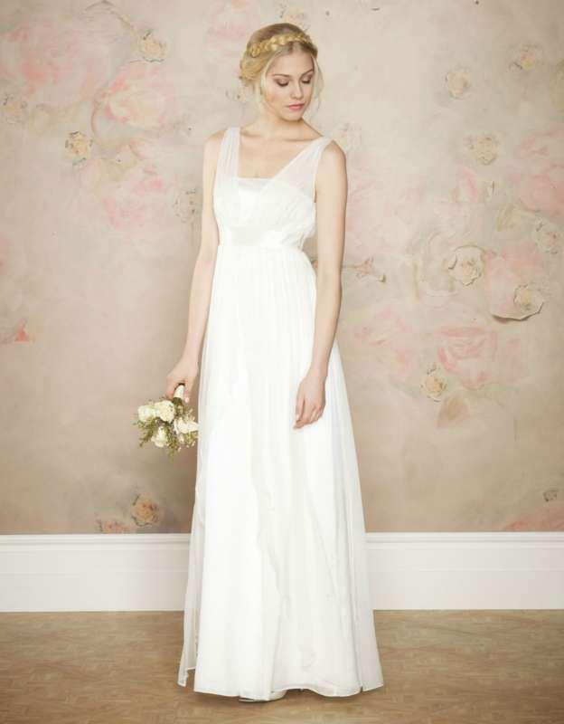 שמלה רומנטית יפהפייה