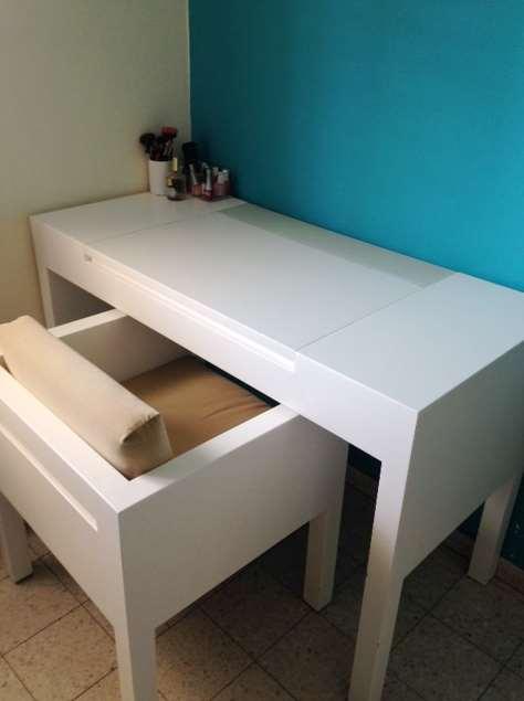 שולחן איפור + כיסא