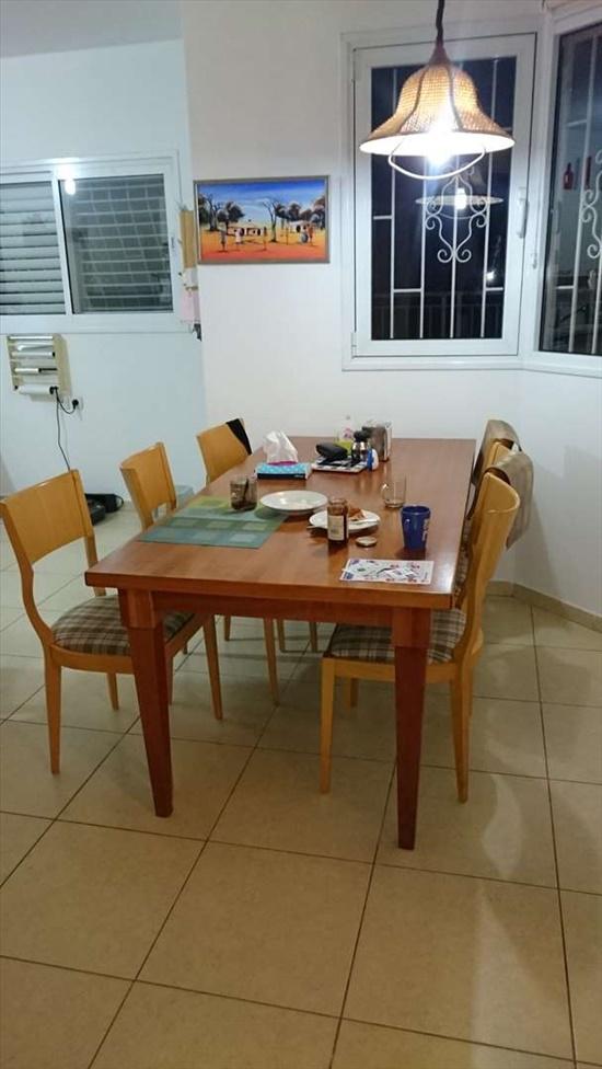 שולחן אוכל עץ מלא  עם 6 כסאות