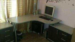 ריהוט שולחן מחשב 4