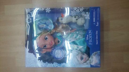 בובה של אלזה חדשה בקופסא