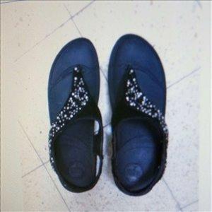 ביגוד ואביזרים נעליים 5