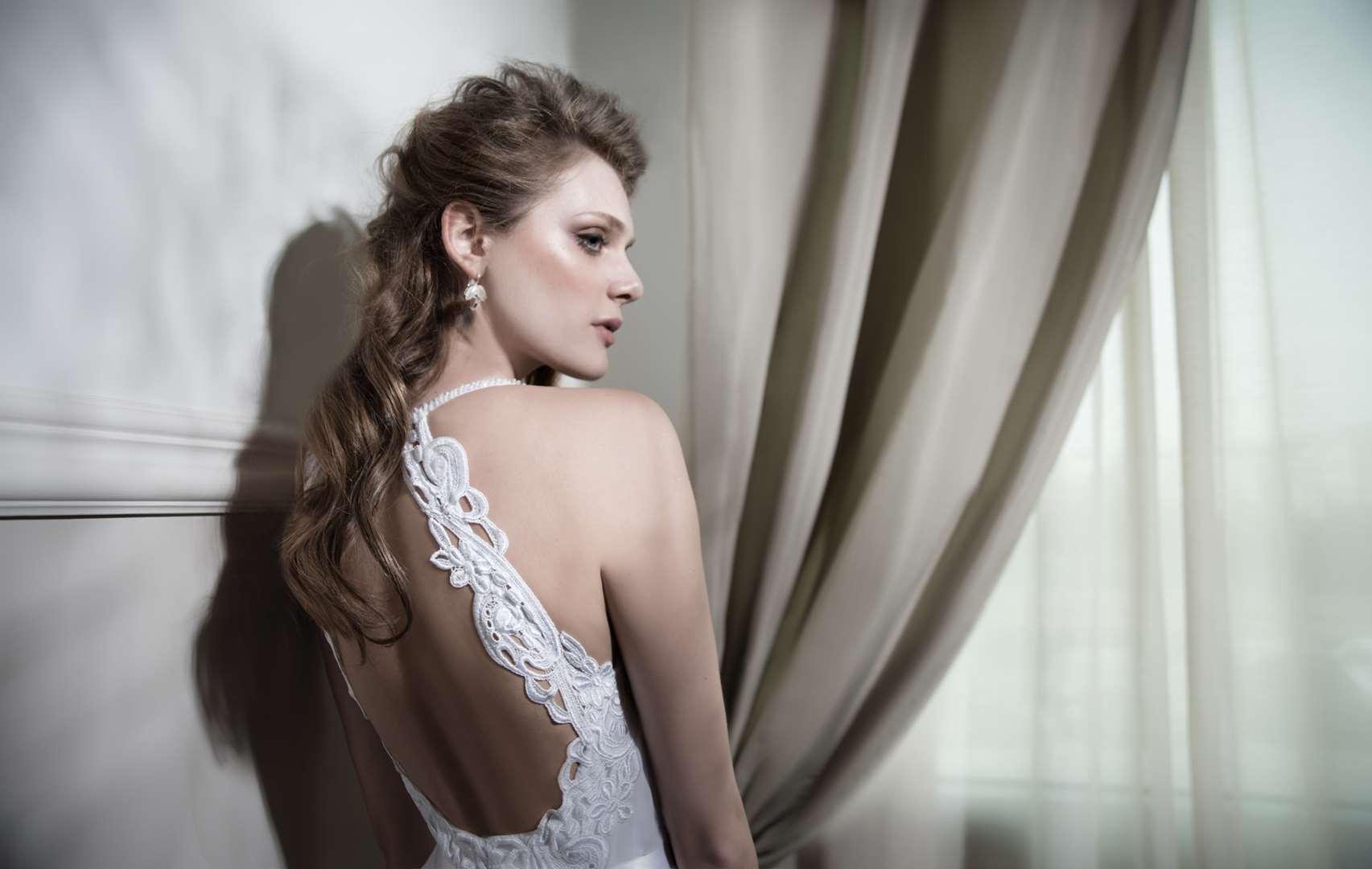 תמונה 2 ,שמלות כלה למכירה בקרית אונו סטוקים  כללי