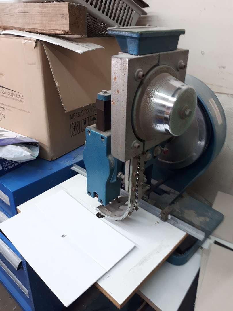 תמונה 4 ,ציוד לכריכה. למכירה באזור ציוד לתעשייה  מכונות