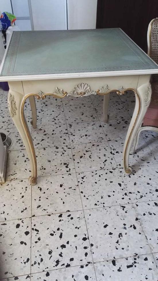 שולחן מרובע עתיק