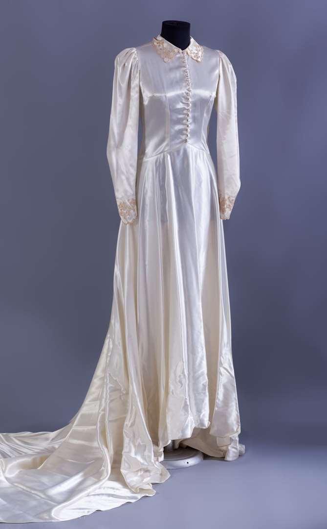 תמונה 3 ,שמלות וינטג' ועתיקות למכירה בחולון יד-שניה לנשים  שמלת כלה