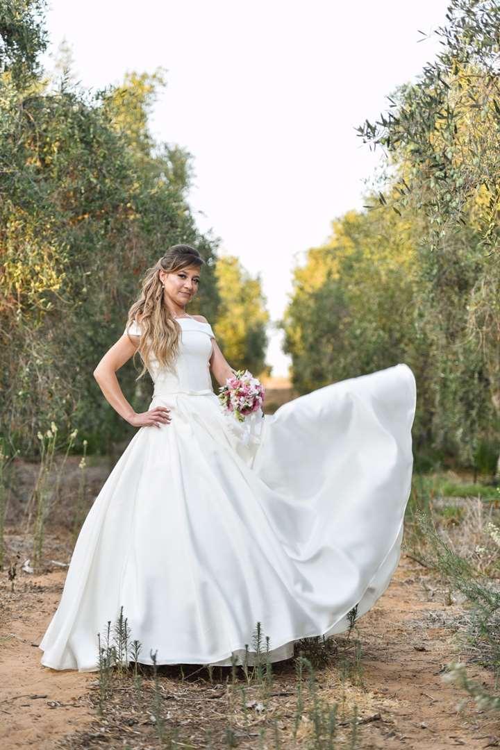 תמונה 2 ,שמלת כלה מושלמת למכירה בחולון יד-שניה לנשים  שמלת כלה