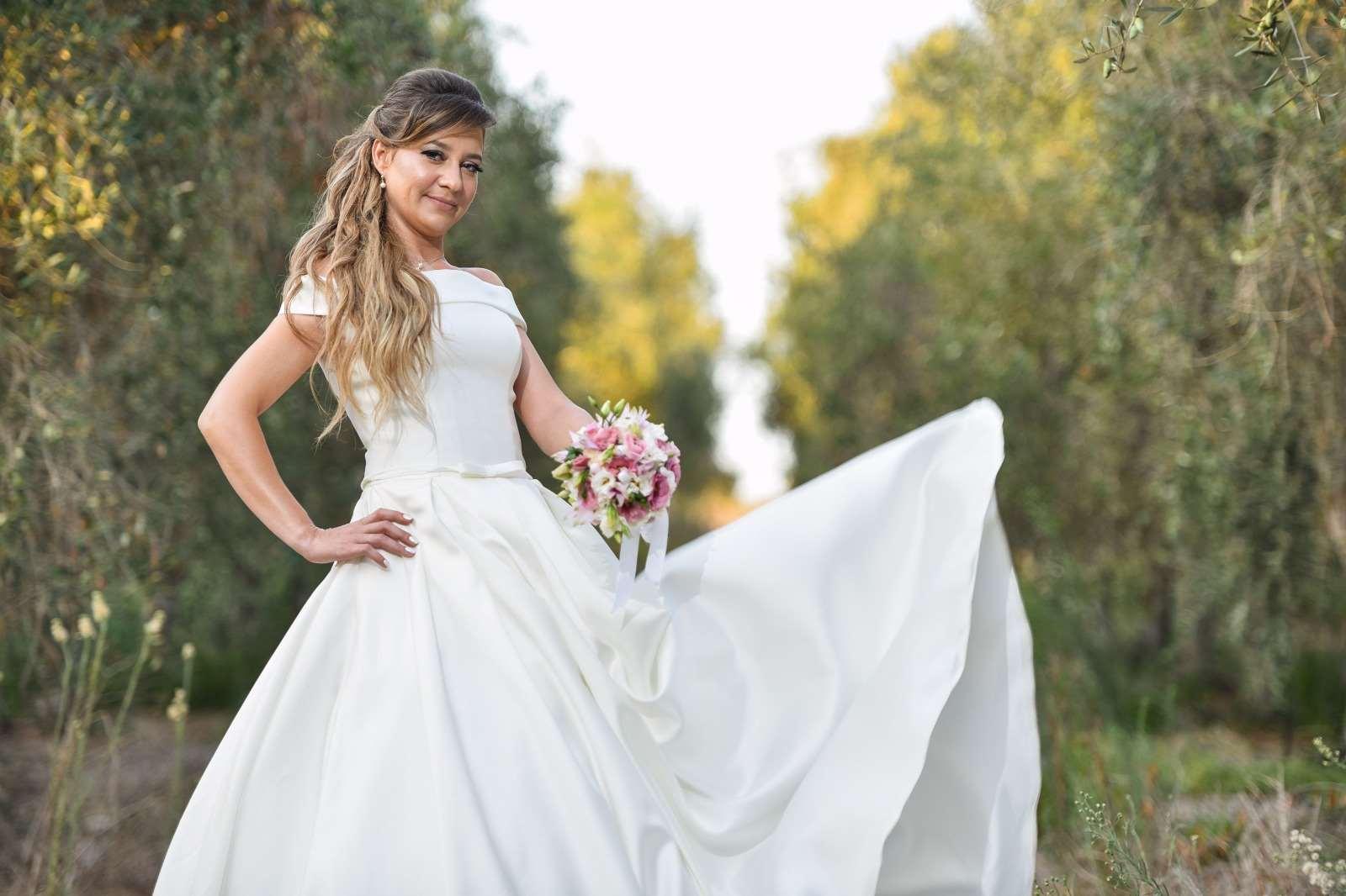 תמונה 3 ,שמלת כלה מושלמת למכירה בחולון יד-שניה לנשים  שמלת כלה