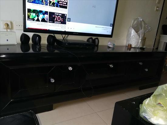 שולחן ומזנון שחור