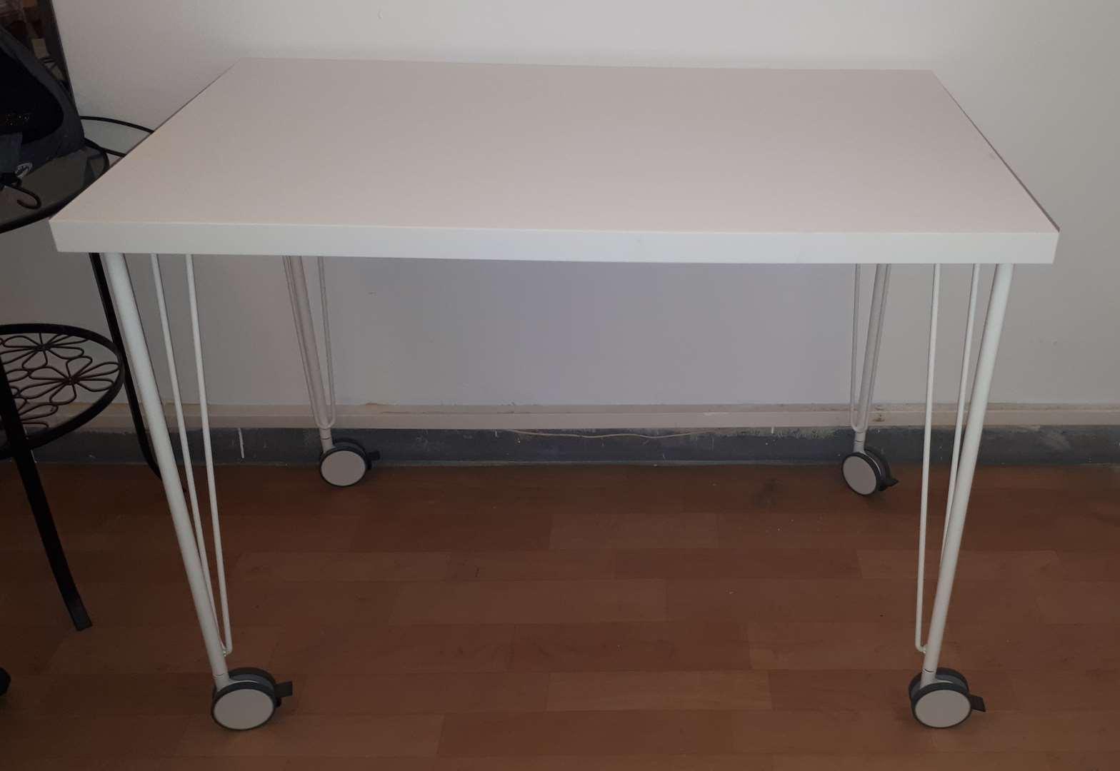 עדכני שולחן לבניית ציפורניים למכירה בבת ים 200 שח | ריהוט - שולחנות MA-23