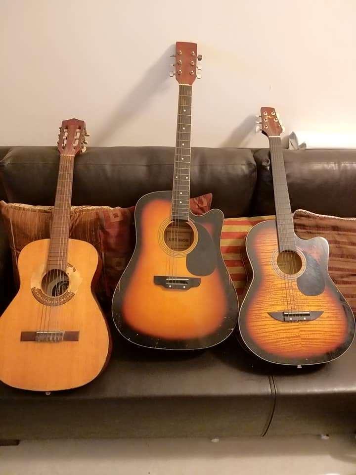 כלי נגינה - גיטרה אקוסטית