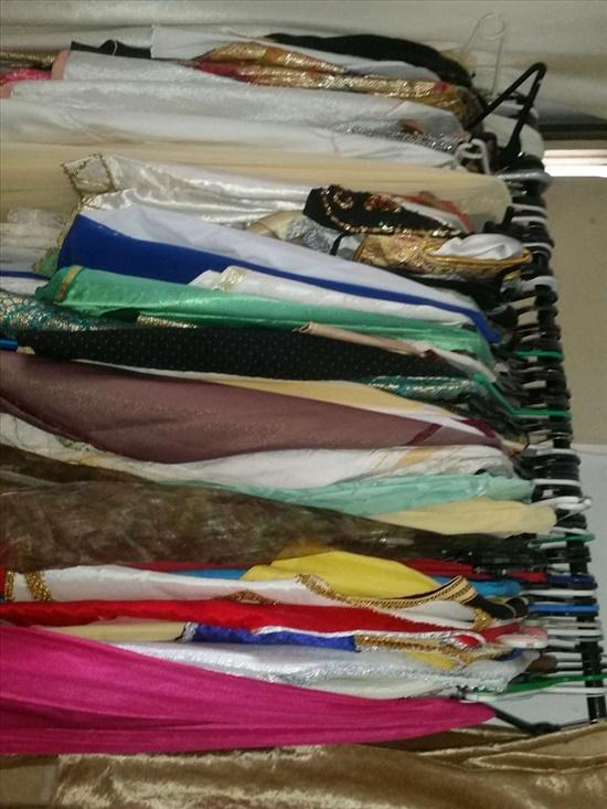 כפתנים ושמלות