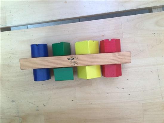 משחק עץ צבעים וצורות