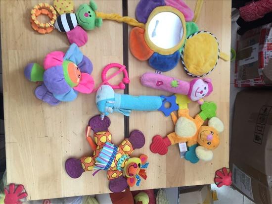 צעצועים רכים ונשכנים
