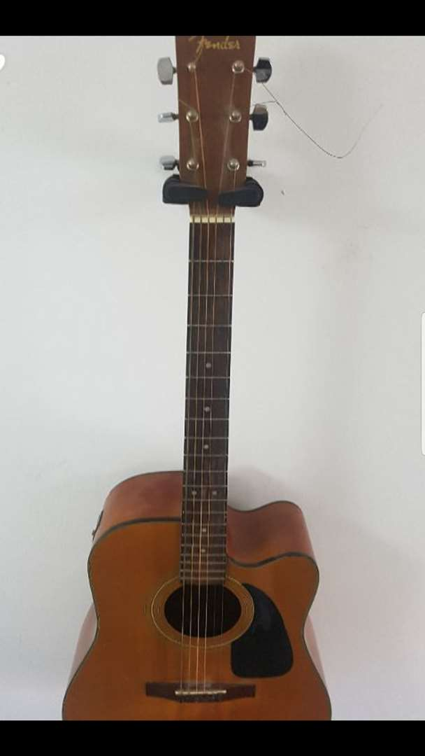כלי נגינה גיטרה אקוסטית 25