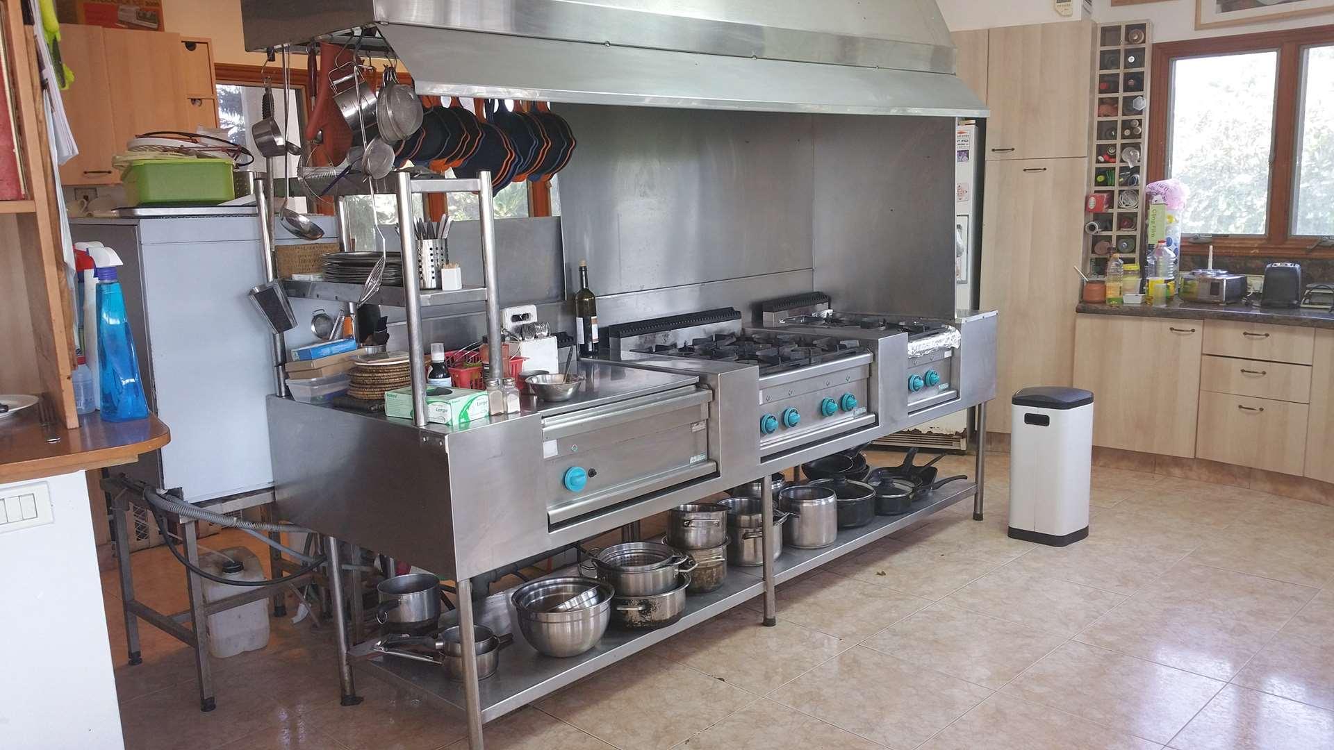 ציוד לעסקים - מטבח תעשייתי