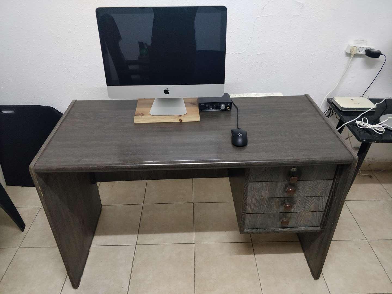 ריהוט - שולחן מחשב