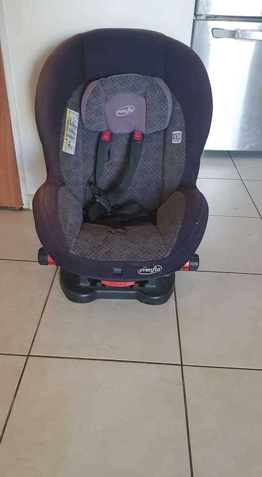 כיסא בטיחות evenfio