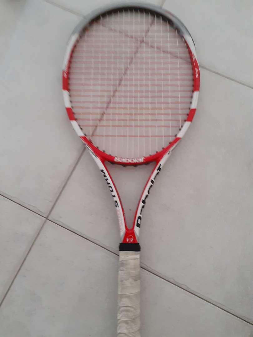 ציוד ספורט - מחבטי טניס