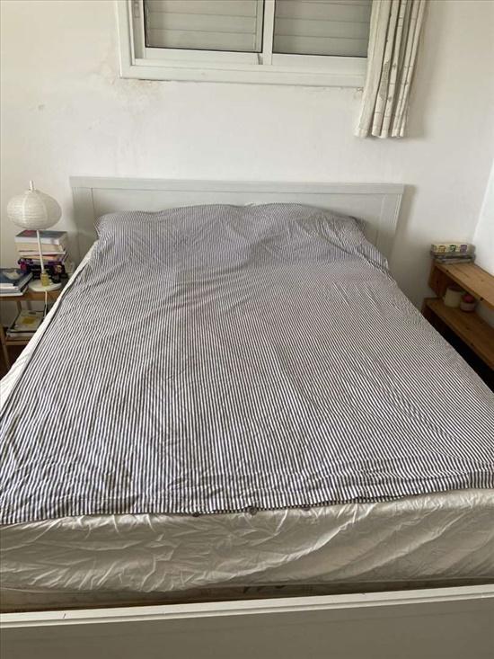 מיטה+מזרון משובח 1.40*1.90