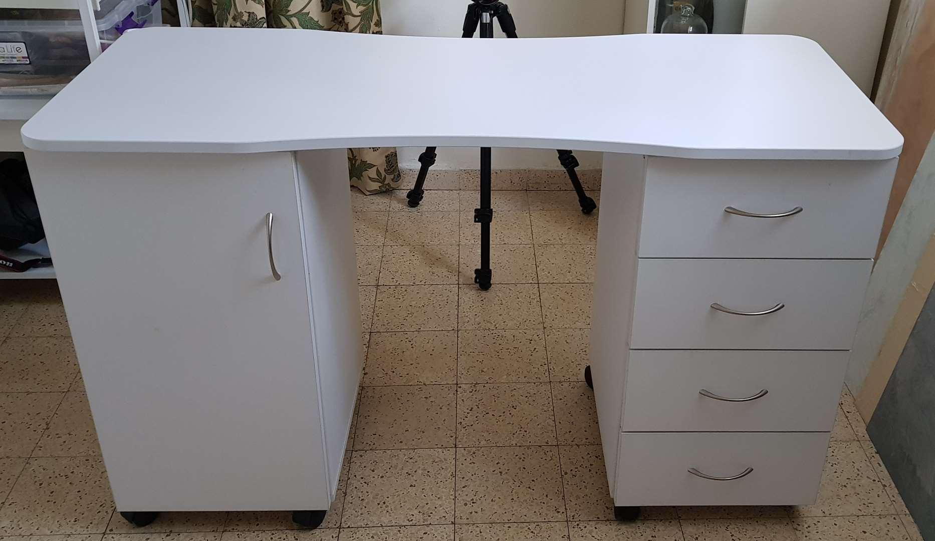 שולחן ועגלה