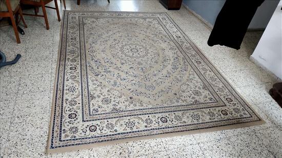 שטיח לסלון 200*290 במצב מעולה
