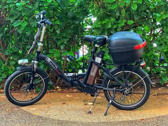 אופניים חשמליים במצב מעולה