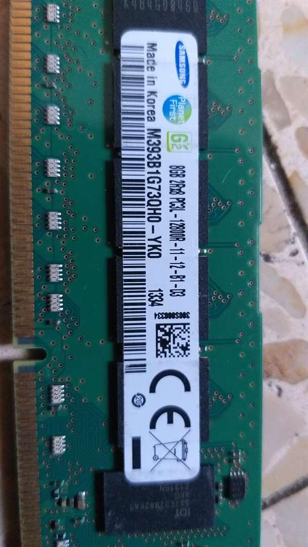 מחשבים וציוד נלווה כרטיס זכרון 30