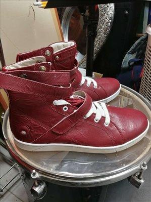 ביגוד ואביזרים נעליים 4