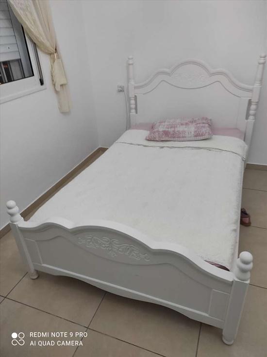 מיטה וחצי החדשה