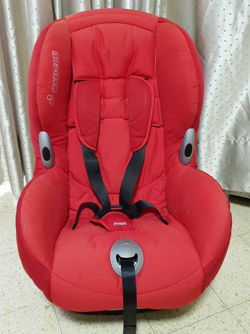 לתינוק ולילד כסא לרכב 1