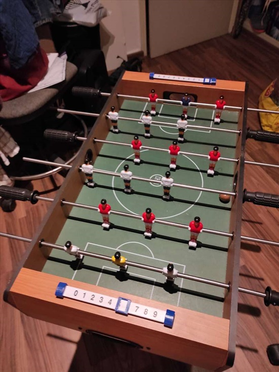 שולחן כדורגל לילדים