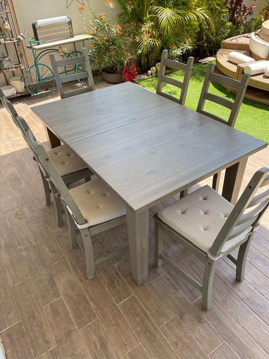 שולחן  עץ מלא ושישה כיסאות עץ