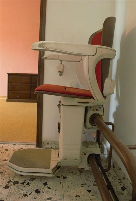 כסא מעליון