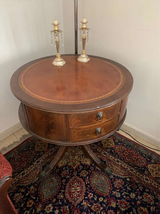 שולחן עגול אנגלי