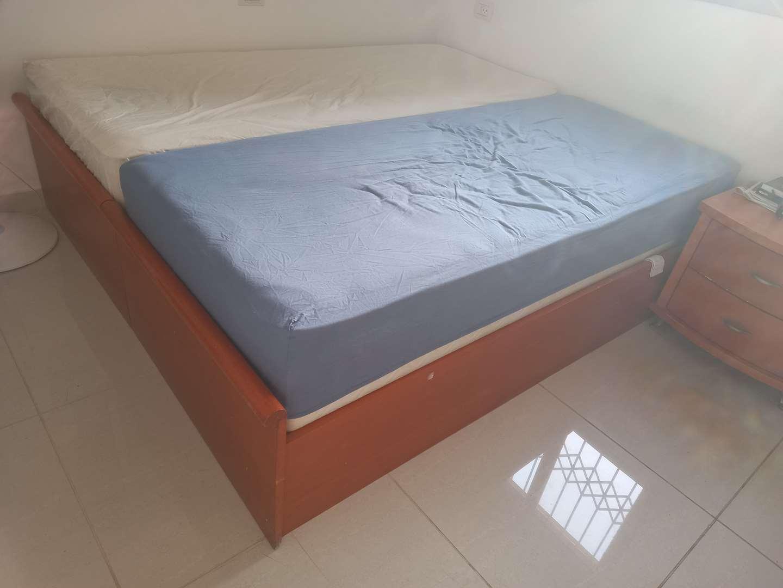 ריהוט מיטות 24