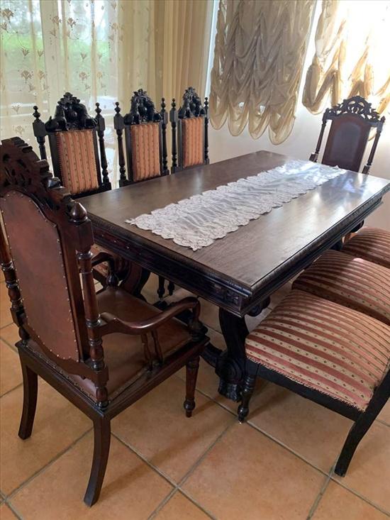 שולחן אוכל ענתיק  + כיסאות