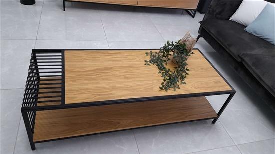 מזנון ושולחן