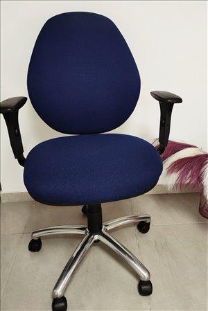 ציוד לעסקים שולחנות וכסאות 25