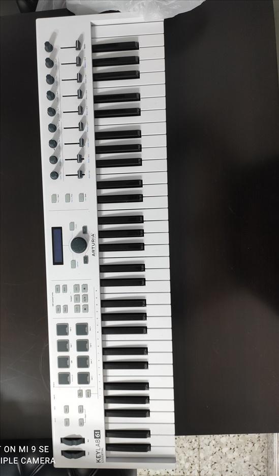 מקלדת שליטה keylab61 Essential