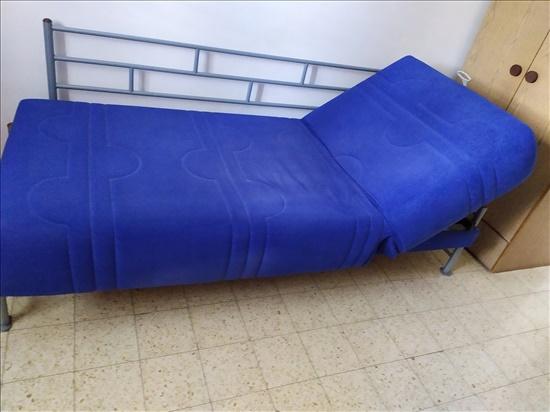 מיטת נוער מתרוממת